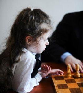 Решаем с детьми шахматные задачи