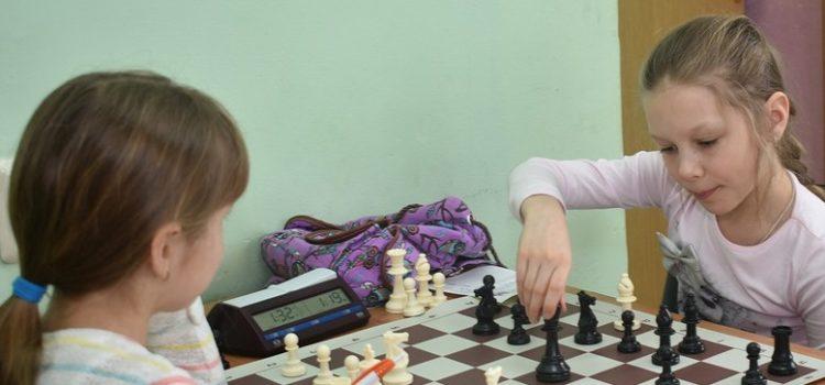 Надо ли учить детей играть в шахматы?